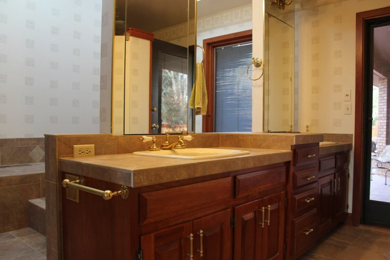 Porcelain tile master bathroom remodel in Fort Collins, Colorado _1608