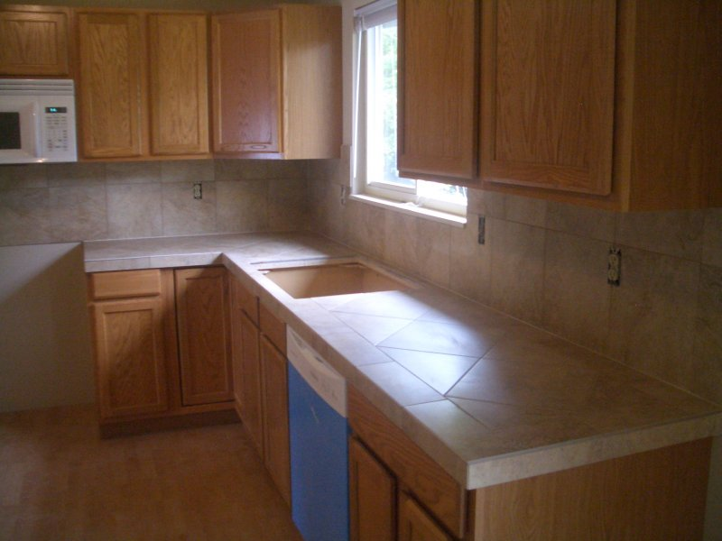 Ceramic tile kitchen countertops and backsplash for Kitchen ideas with porcelain countertops