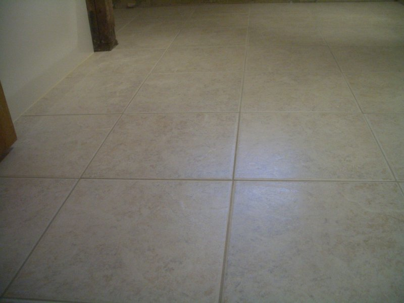 Bathroom Floor Underlayment For Tile : Small porcelain bath floor