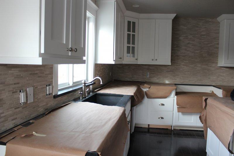 Limestone mosaic kitchen backsplash in Fort Collins_1985
