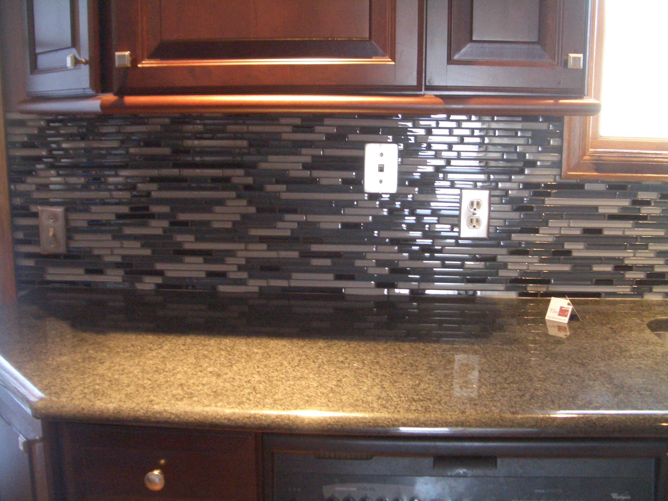 Glass tile backsplash no grout images Backsplash or no backsplash