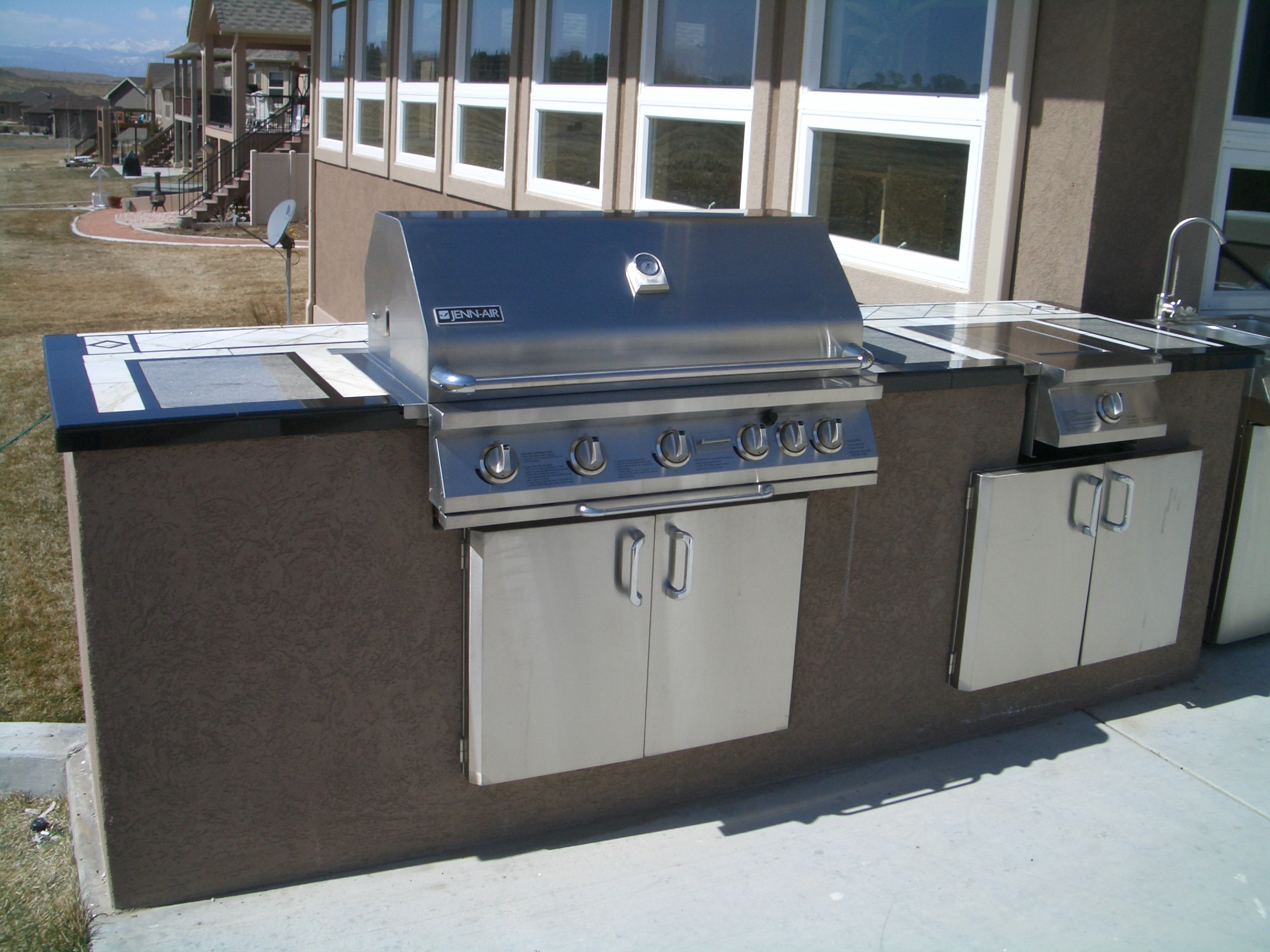 Outdoor kitchens and barbecue islands in fort collins for Outdoor kitchen barbecue grills