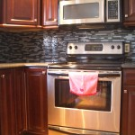 Glass tile kitchen backsplash in Fort Collins, Colorado