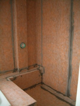 Fully waterproofed kerdi shower